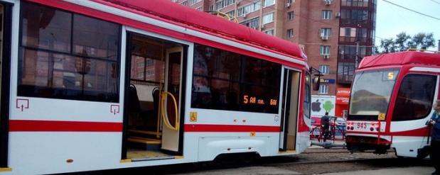 В Самаре трамвай сошел с рельс в Постниковом овраге