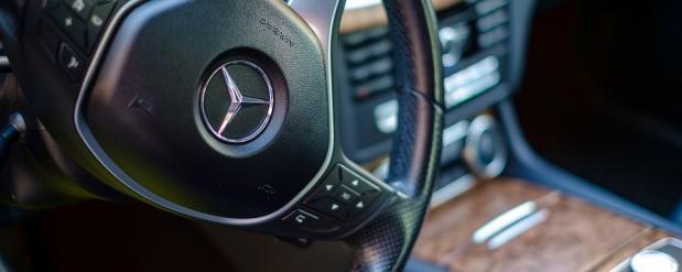 """У жителя Тольятти чуть не отобрали """"Mercedes-Benz S 500"""" за долги по кредиту"""