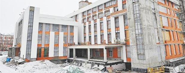 Дмитрий Азаров намерен завершить строительство кардиоцентра